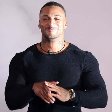The 32-year old son of father (?) and mother(?), 182 cm tall David McIntosh in 2018 photo