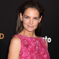 katie Holmes worrying new thin fashion trend ribs showing